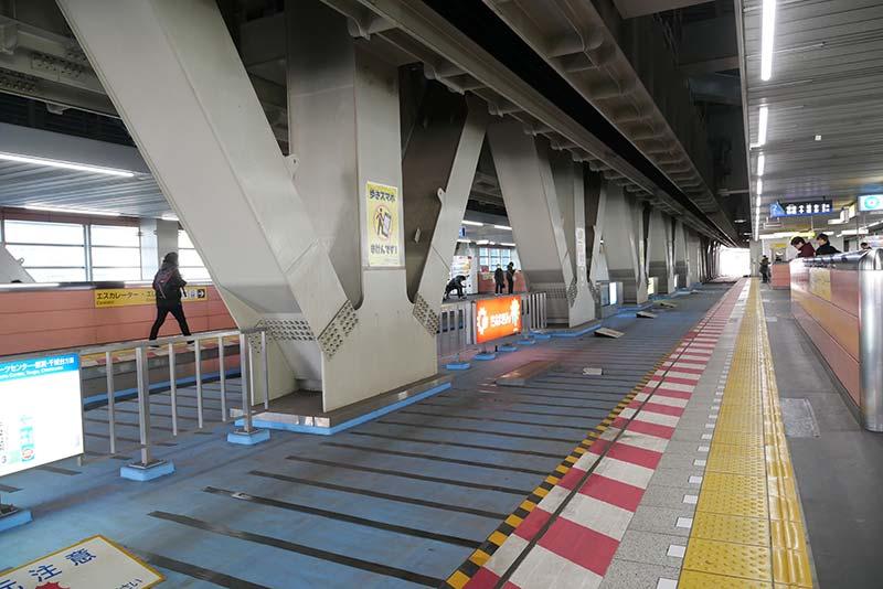 千葉都市モノレール 千葉駅 栄町ソープランド街へ向かう途中